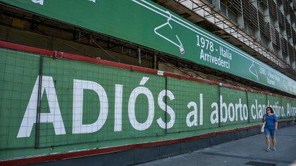Una campaña de Amnistía reclama el fin del aborto clandestino (@amnistiaar)