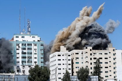 El operativo se llevó a cabo luego de que milicias palestinas lanzaron este sábado una ráfaga de cohetes hacia Tel Aviv (REUTERS/Mohammed Salem)