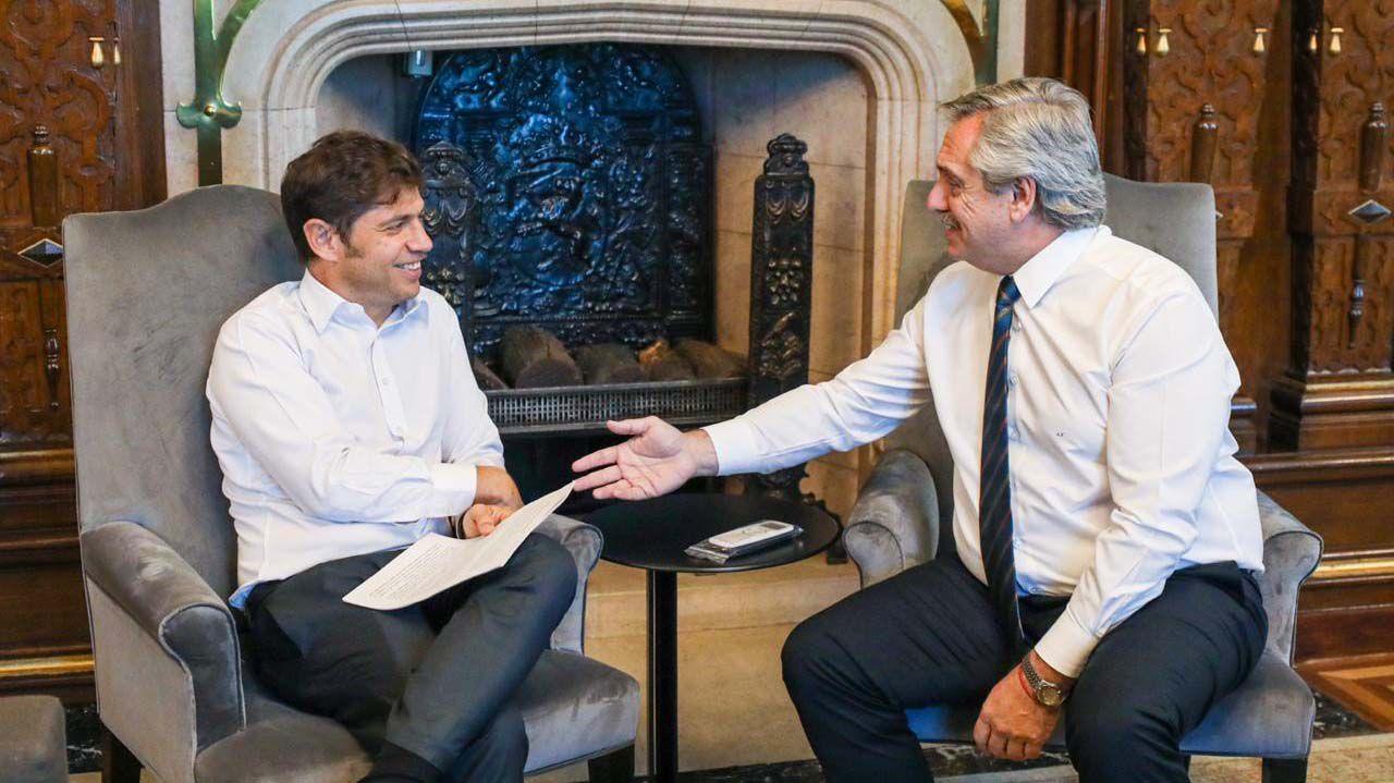 El presidente Alberto Fernández y el gobernador Axel Kicillof, ayer, al evaluar la situación de la seguridad en territorio bonaerense (Presidencia)