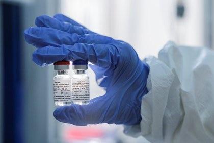 """""""Los desarrolladores de vacunas deberían mirar los datos de sus ensayos clínicos para ver el efecto de la obesidad"""" (Reuters)"""