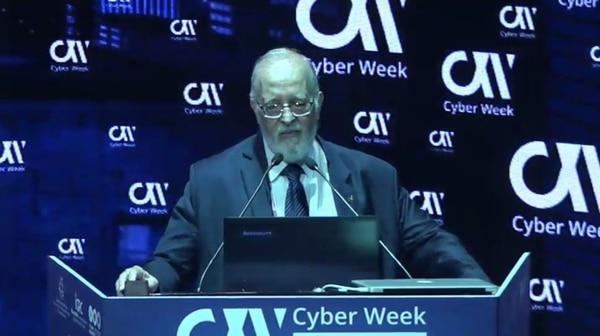 Isaac explicó los ejemplos de ciberataques en EEUU y Francia