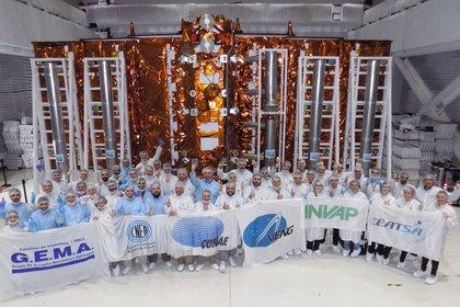El satélite listo, antes de ser embarcado a EEUU