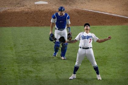 El mexicano retiró a nueve bateadores en su última aparición y sumó a los Dodgers a la Serie Mundial (Foto: Reuters)