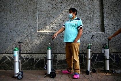 Debido a la pandemia de coronavirus, la demanda de oxígeno medicinal ha incrementado exponencialmente (Foto: Reuters / Edgard Garrido)