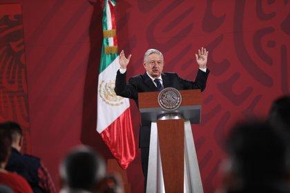 El presidente de México, Andrés Manuel López Obrador, habla durante su rueda de prensa matutina en Palacio Nacional, en Ciudad de México (México). EFE/Sáshenka Gutiérrez/Archivo