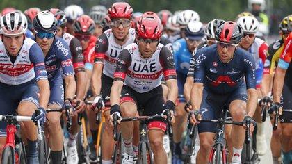 Video | En el final de la séptima etapa del Giro, Fernando Gaviria intentó pasar al pelotón pero no le alcanzó para sorprender al top 5