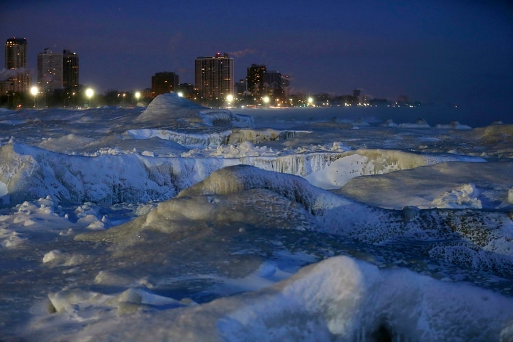 Hielo en el lago Michigan  (AP Photo/Kiichiro Sato)