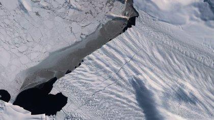 La grieta, de 20 kilómetros de largo, en el glaciar Pine Island (Foto: ESA)