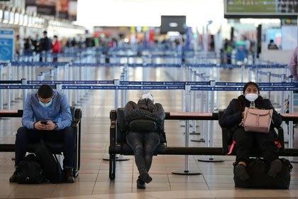 Los pasajeros que ingresen a Chile deberán cumplir con un estricto protocolo antes de poder ingresar formalmente al país