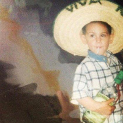 Alejandro Speitzer comenzó su carrera actoral a los cinco años (Foto: Instagram/alejandrospeitzer)