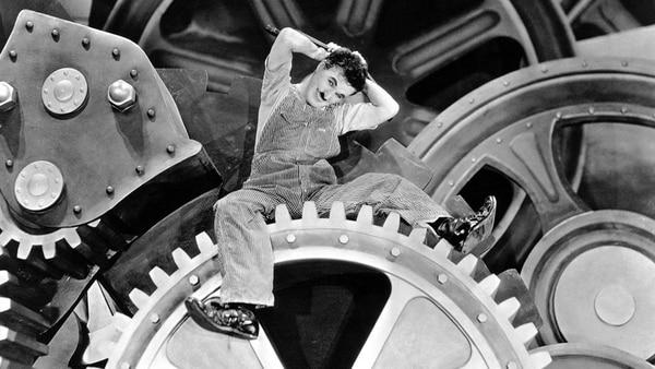 """Charles Chaplin, el protagonista de """"Tiempos modernos"""" (1936), se casó con una joven de 16 años a la que dejó embarazada"""