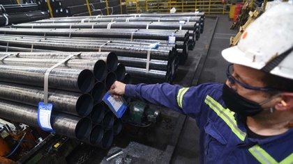 La producción de acero crudo fue de 370.700 toneladas en enero, un 4,5% menos que en diciembre (388.200 toneladas) pero un 24,3% superior a enero de 2020 (298.200 toneladas).