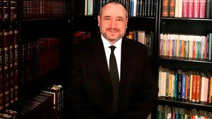El director del Departamento de Cultura de la AMIA, Rabino Dr. Fishel Szlajen