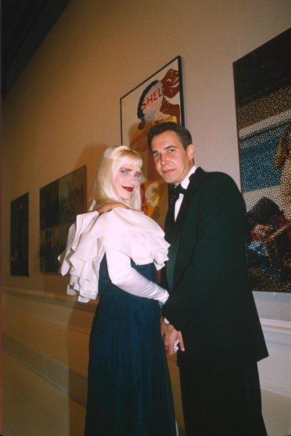 La Cicciolina se casó en 1991 con el artista plástico Jeff Koons. Vivieron un amor tormentoso y una separación con escándalos (Richard Young/Shutterstock)