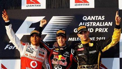La única vez que Petrov se subió al podio en la F1 fue con Vettel y el propio Lewis Hamilton (@vitalypetrov)