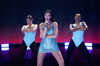 Dua Lipa cantó en los 2020 American Music Awards (Gareth Cattermole/Getty Images for dcp/AFP)