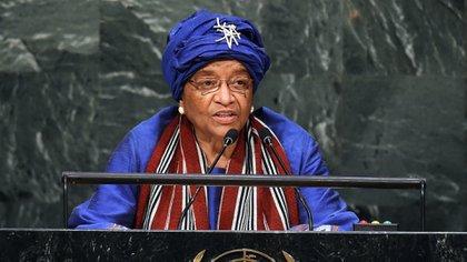 """""""La situación en la que nos encontramos hoy podría haberse evitado"""", dijo una de las copresidentas de este panel, Ellen Johnson Sirleaf, expresidenta de Liberia. (AFP)"""