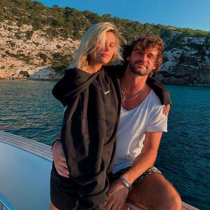La pareja, durante una tarde sobre un yate en Ibiza