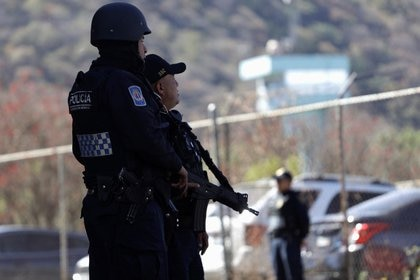 Las investigaciones indicaron, además, que sujetos desconocidos y fuertemente armados ingresaron al inmueble alrededor de las 19:52 horas (Foto: Reuters/Luis Cortes)