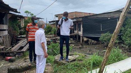 Comisión de la Verdad visitó el puerto de Buenaventura donde han sido desplazadas más de 400 personas en lo corrido del año. Foto: Twitter Comisión de la Verdad.