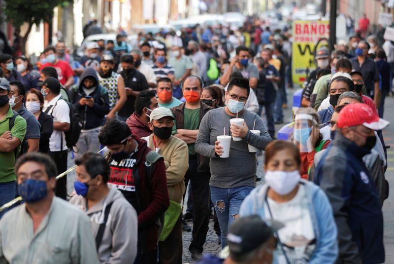 El especialista explicó que la situación de la pandemia, que en México suma más de 1.6 millones de contagios y supera las 144,000 muertes, ha generado grandes cambios y esto ha influido en las emociones de las personas. (Foto: Reuters)