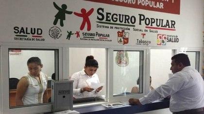 Los panistas defendieron el Seguro Popular, una creación bajo administraciones de dicho partido (Foto: Archivo)