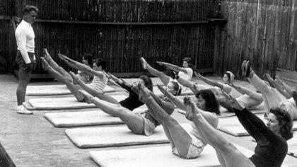 El ejercicio cuenta con un gran número de aficionados alrededor del mundo