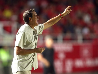 Guimarães se quejó por el estado de la cancha en la que jugó su equipo ante La Equidad. REUTERS/Luisa Gonzalez