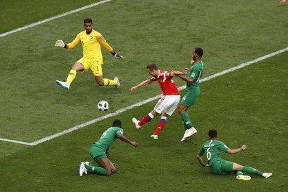 Denis Cheryshev marca el segundo tanto para Rusia (Foto: AP/Darko Bandic)