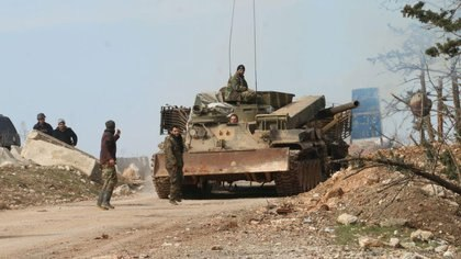 Los soldados del ejército sirio se despliegan en la ciudad de Khan al-Assal, al oeste de Alepo, Siria (REUTERS)
