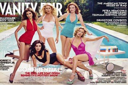 La polémica portada de Vanity Fair. Hatcher, en bañador rojo, eligió primero vestuario (Foto: Vanity Fair)