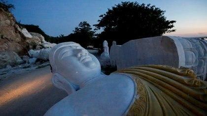 Myanmar construye el mayor buda de mármol del mundo