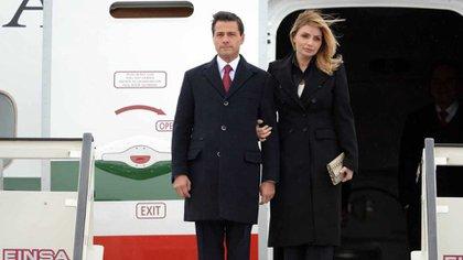 Peña Nieto y su esposa, Angélica Rivera Hurtado. Ambos están sospechados de compras y negociaciones oscuras.