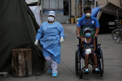De 1.163 nuevas pruebas de laboratorio procesadas, 473 dieron positivo, con los que los contagios ya suman 71.616, desde marzo, cuando la pandemia se comenzó a expandir, indicó el estatal Sistema Nacional de Gestión de Riesgos (Sinager), en cadena de radio y televisión. EFE /Gustavo Amador /Archivo