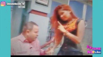 """En las imágenes, presumen los presentadores de """"Chisme No Like"""", se pueden ver las intenciones de Raúl de Molina hacia Virggi López (Foto: YouTube / Chisme No Like)"""