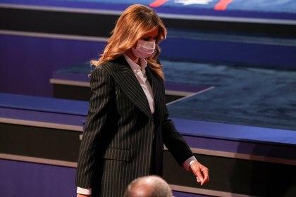 Melania Trump antes de que comenzara el debate.  REUTERS / Jonathan Ernst