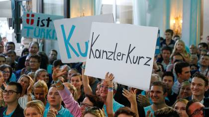 Simpatizantes de Kurz y del ÖVP (REUTERS/Leonhard Foeger)