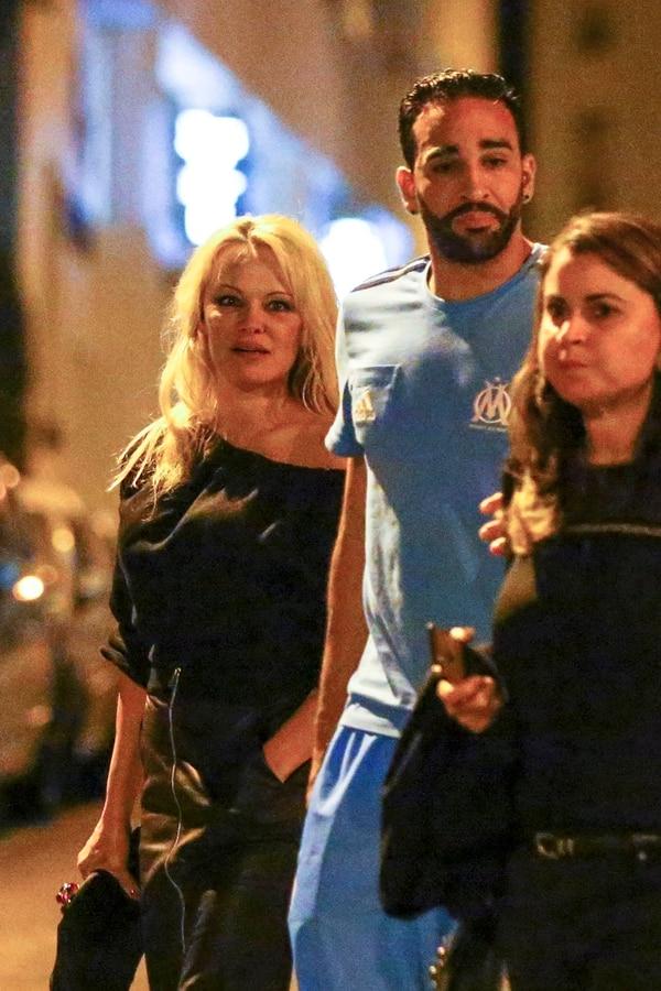 Pamela Anderson junto a Adil Rami, en uno de sus primeros encuentos (The Grosby Group)