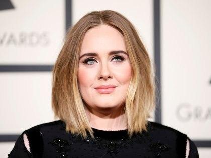 Adele, durante la entrega de los Grammy 2016 (Reuters/ Danny Moloshok)