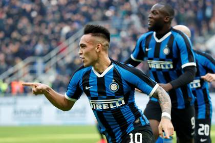 Lautaro Martinez is one of the figures of the Inter that is intended by the Barcelona. Until the time will continue at the Italian club. Photo: REUTERS/Alessandro Garofalo