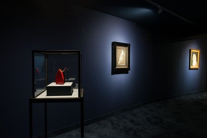 De adelante hacia atrás: obras de Man Ray, Andy Warhol y Mildred Burton