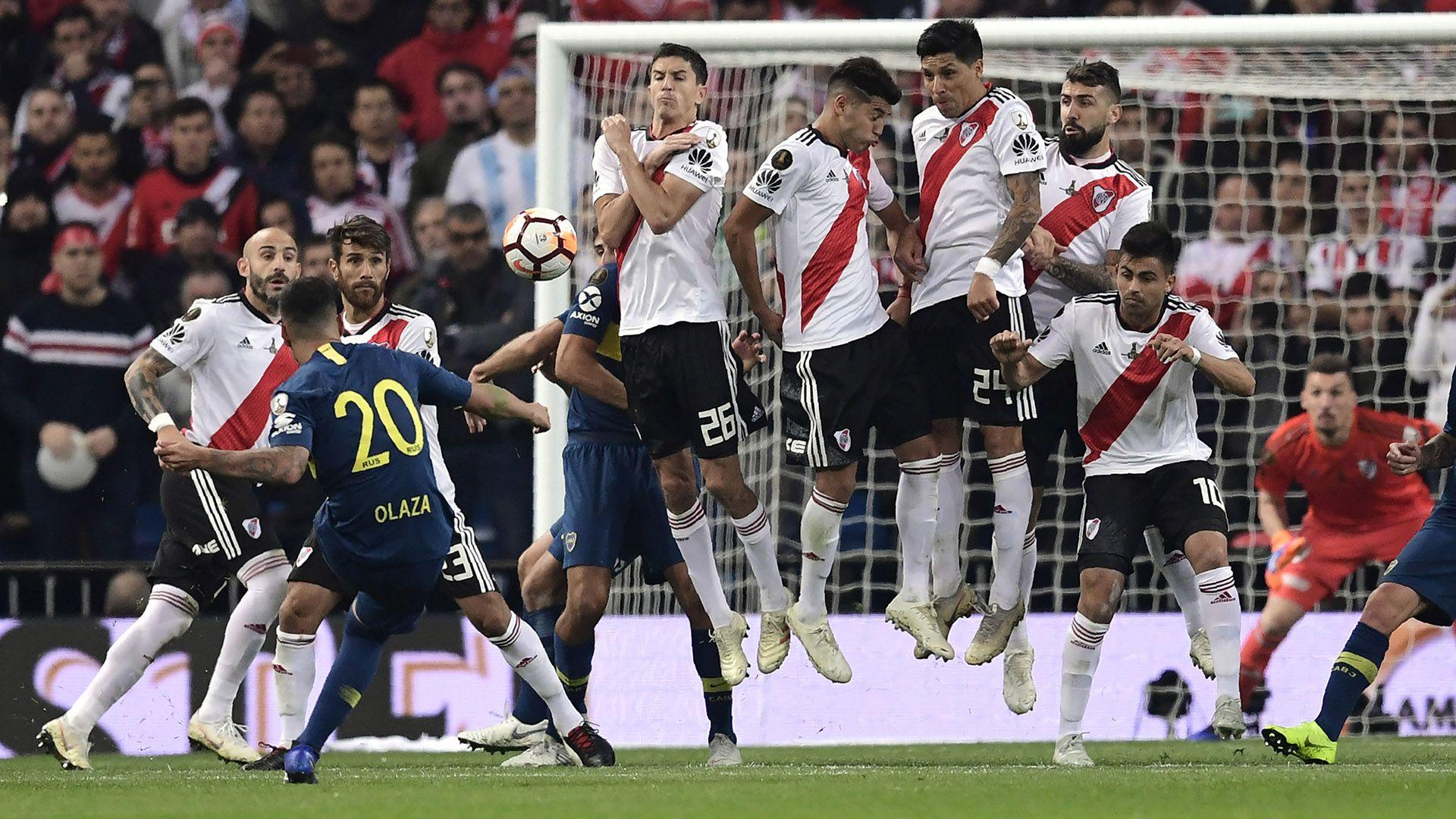El último partido de Olaza en Boca fue la final de la Copa Libertadores ante River disputada en Madrid (Photo by Javier SORIANO / AFP)