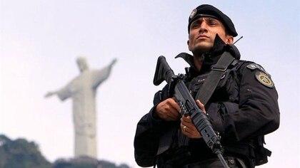 Un oficial del BOPE en Río de Janeiro