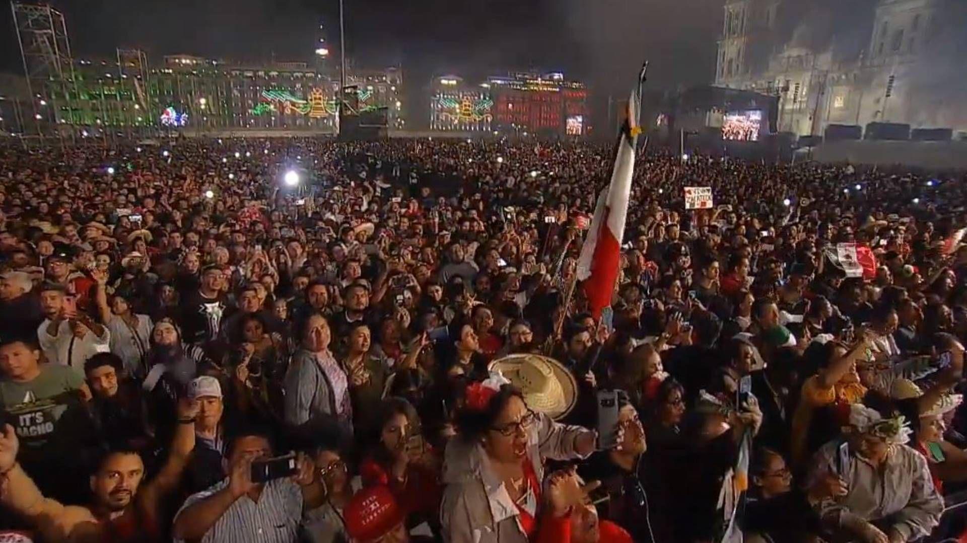 Miles de personas gritaron a favor del presidente (Foto: Captura de pantalla)