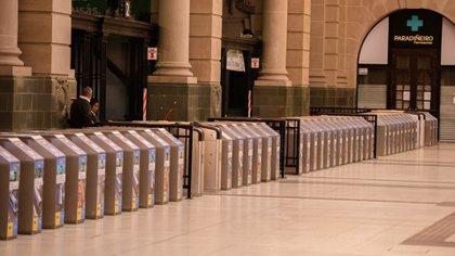 En las estaciones de trenes se observó poco movimiento