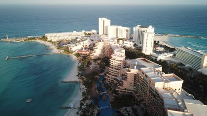 Cancún, México, suele ser un lugar popular entre los turistas estadounidenses (EFE)
