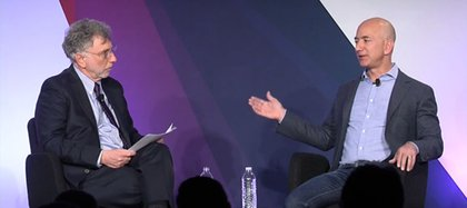 Con Jeff Bezos