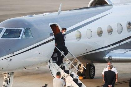 FOTO DE ARCHIVO. El subsecretario de Asuntos Económicos de EEUU, Keith Krach, llega al aeropuerto de Taipéi, Taiwán. 17 de septiembre de 2020. Central News Agency/Pool vía REUTERS