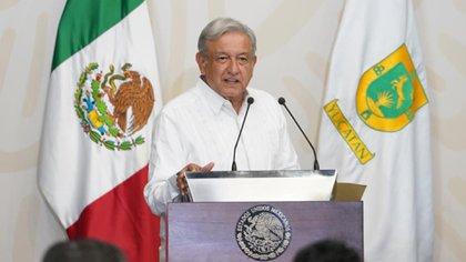 Andrés Manuel López Obrador firmó el Plan Nacional de Salud en el estado de Yucatán (Foto: Presidencia México)