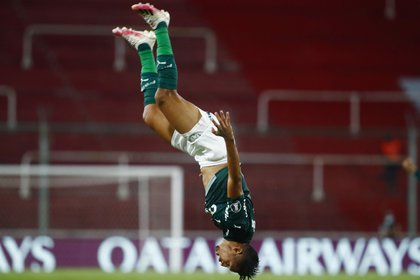 El festejo loco de Rony en el 1-0, que destrabó el partido para los brasileños (REUTERS/Marcos Brindicci)